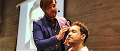 Maquiador Fabiano Okabayashi demonstra técnicas de maquiagem masculina no Senac Beauty Experience: Hair & Make-up